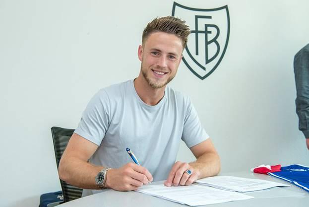 Ricky van Wolfswinkel unterschrieb beim FCB einen Vertrag bis 2019.