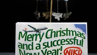 Weihnachtsgeschenk der Fluglinie Niki: Trotz Pleite soll die Airline weiterfliegen, vier von insgesamt sechs Bietern sind in der engeren Auswahl. Der Verkaufsentscheid soll bis Anfang Januar gefällt werden.