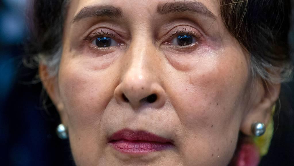 Seit dem Putsch sitzt Aung San Suu Kyi im Hausarrest. (Archiv)