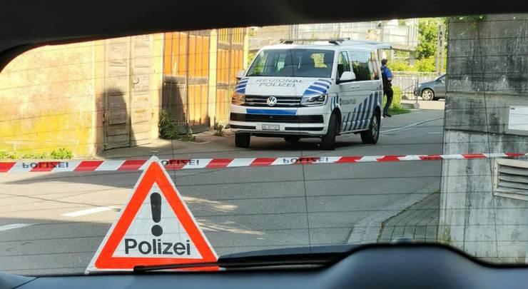 Am Mittwoch wurden rund um den Polizeiposten im Klingnauer Städtchen Absperrungen eingerichtet.