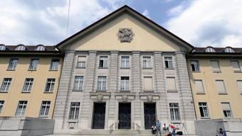Am kommenden Mittwoch muss sich der heute 62-jährige Koch, vor dem Bezirksgericht Zürich, für den Tod seiner Frau, im Oktober 2009, verantwortlich machen müssen. (Symbolbild)