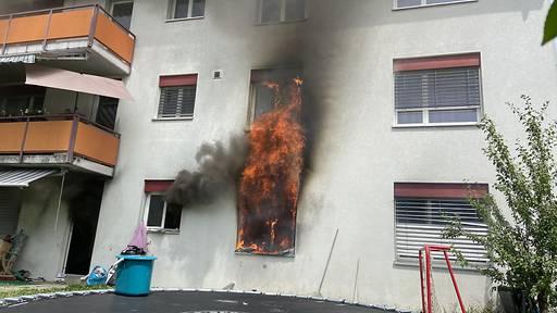 Brand in Mehrfamilienhaus in Aarau