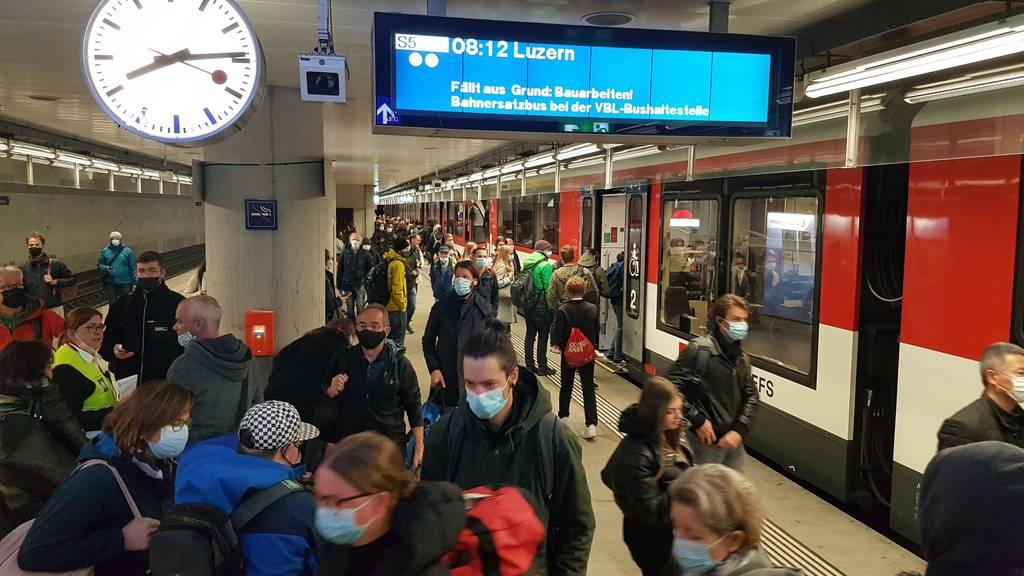 Zu wenig Strom: Zentralbahn stand still