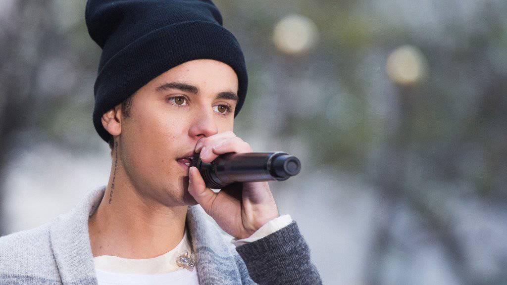 Justin Bieber - hier am Mittwoch in der NBC'-Show «Today» - hat bei den Pariser Terroranschlägen einen Mitarbeiter verloren.