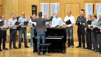 Der 13-köpfige Männerchor riss das Publikum mit ihrem Reisefieber-Programm mit.