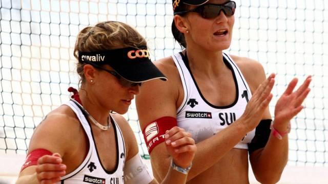 Nadine Zumkehr (links) und Simone Kuhn in Berlin in den Achtelfinals