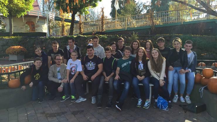 Ein Sonntag im Beisammensein: Die jungen Wilden geniessen den Europapark.