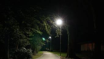 An der Schwimmbadstrasse und am Pappelweg leuchten jetzt LEDs