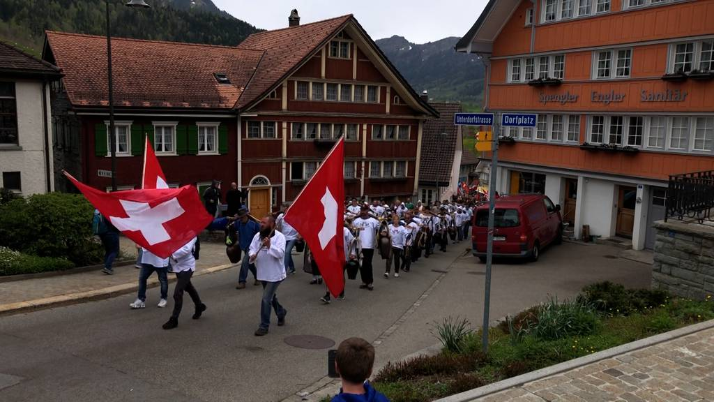 Coronademos in Bern und Urnäsch