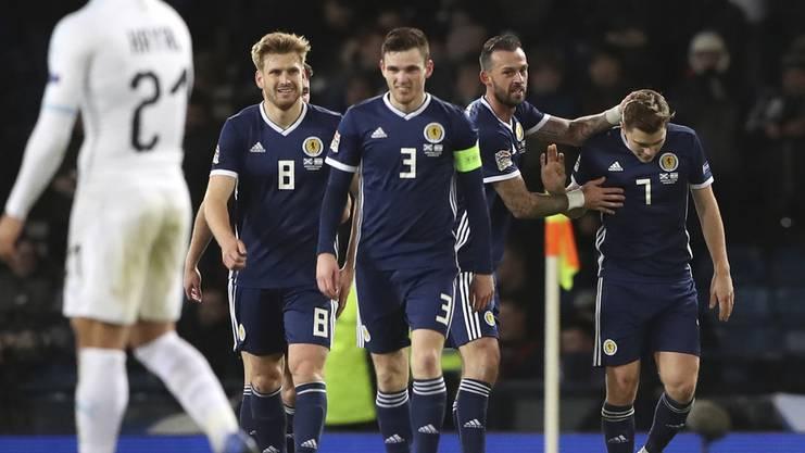 Schottland steigt in Liga B auf.