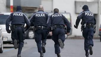 Berner Polizei im Einsatz (Archiv)