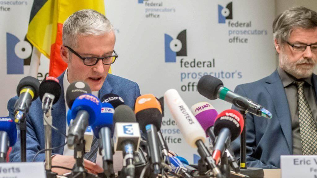 Die belgische Staatsanwaltschaft informiert an der Pressekonferenz über die Festnahmen.