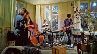 Bassistin Johanna Pärli und die Band Lily funktionieren als Kollektiv.