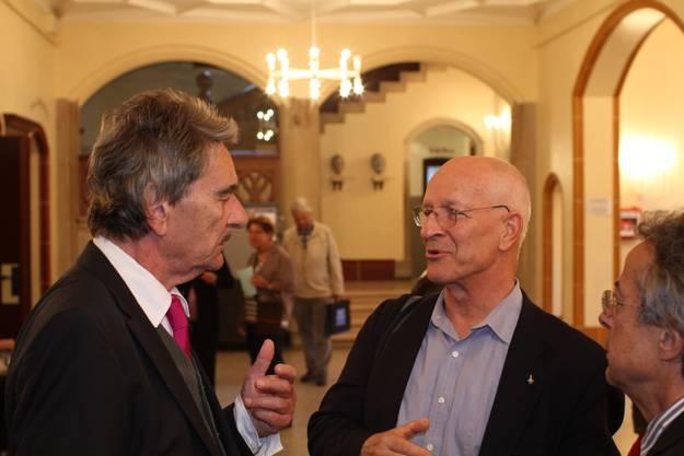 Ruedi Erzer, Inhaber der Akademie der Generation, im Gespräch mit Claude Nicollier