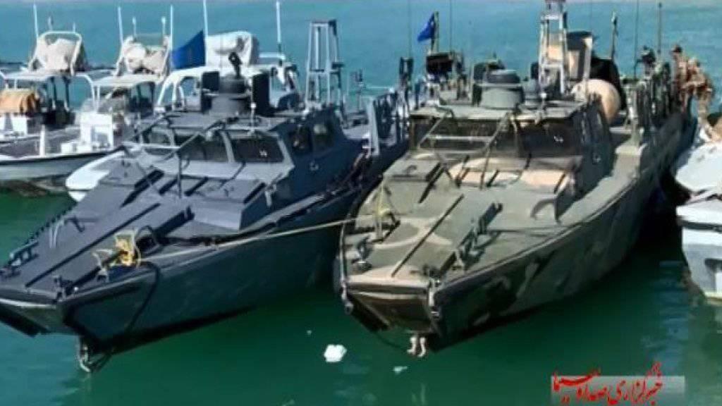 Das iranische Staatsfernsehen berichtete ausgiebig über die Festnahme zweier Patrouilleboote der USA, die am Dienstag in iranisches Hoheitsgewässer gerieten. Dass Bilder der Soldaten gezeigt wurden, sorgt in dern USA für Empörung.