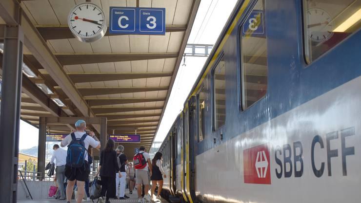 Die Pendlerinnen und Pendler am Fricker Bahnhof müssen drei Monate lang ohne Flugzug auskommen.