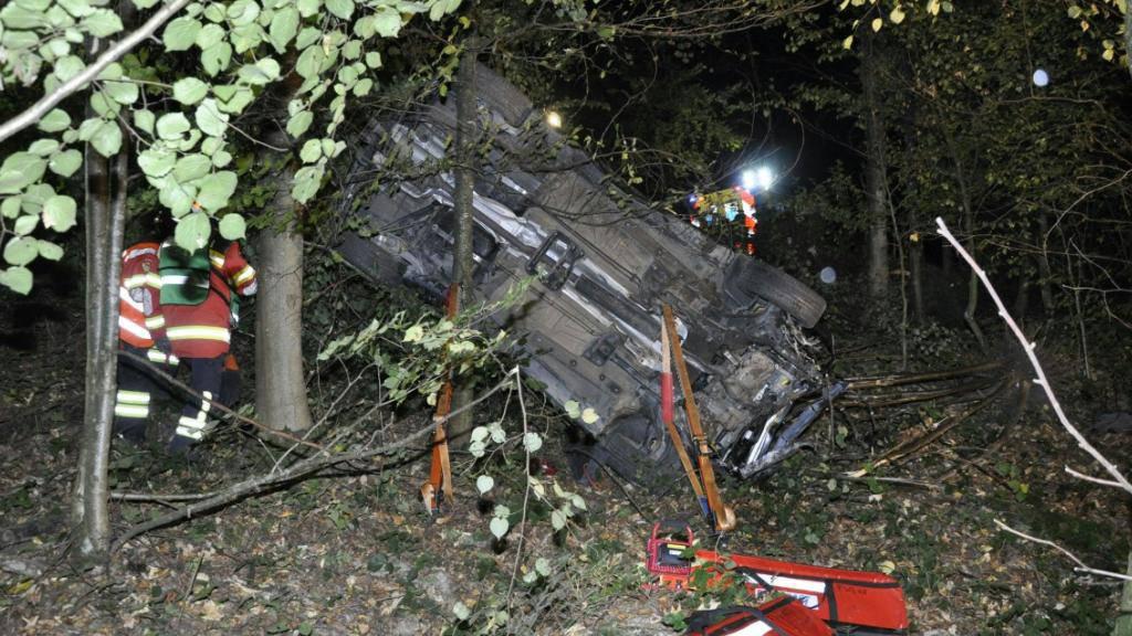 Bei einem Selbstunfall in Gretzenbach SO starben in diesem Auto zwei Personen und zwei Personen erlitten schwere Verletzungen.