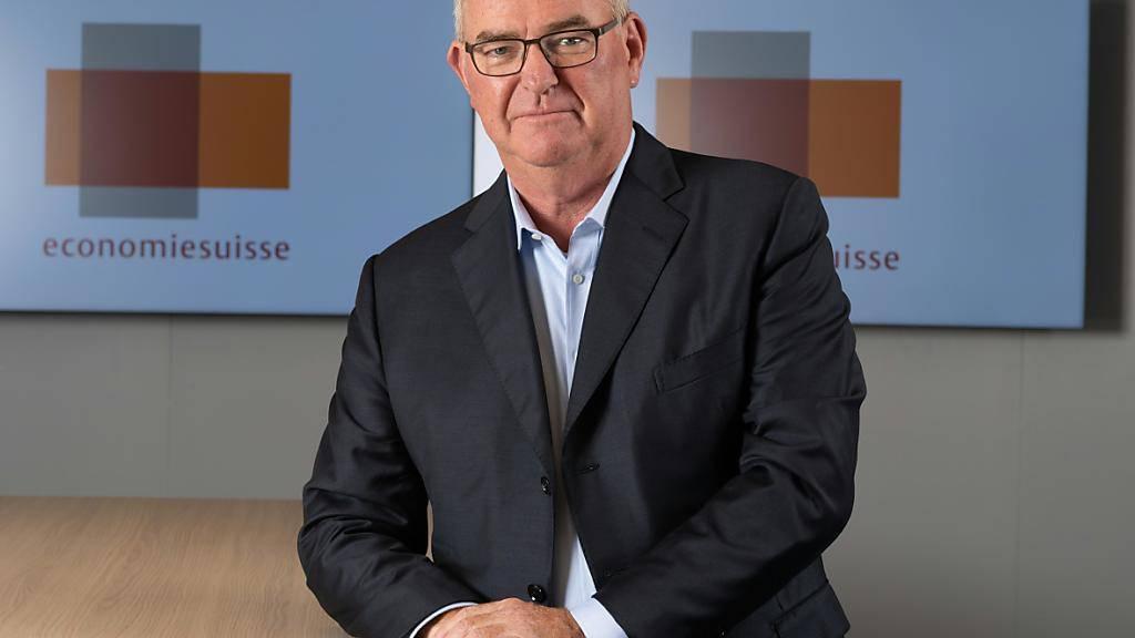 Christoph Mäder tritt am 1. Oktober die Nachfolge von Heinz Karrer an, der das Präsidium von Economiesuisse nach sieben Jahren abgibt.