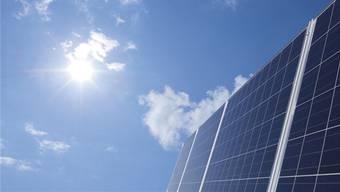 Solarpanels fangen die Energie der Sonne auf.