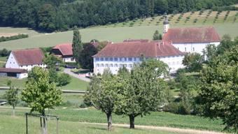 Im früheren Zisterzienserinnen-Kloster in Olsberg im Fricktal werden schulpflichtige Kinder und Jugendliche mit Lern- und Verhaltensschwierigkeiten aufgenommen. Ziel ist es, dass sie wieder in die Schule, an ihren Ausbildungsplatz oder nach Hause zurückkehren können.