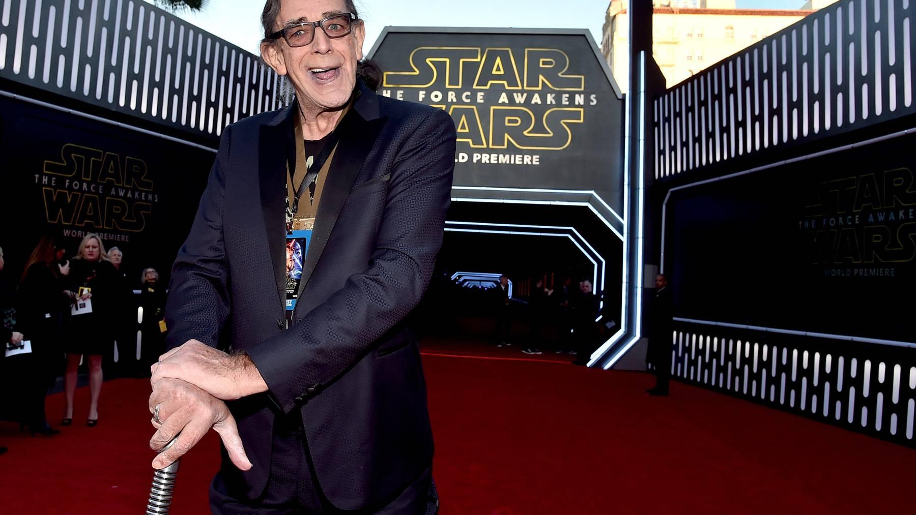 Spielte die grosse, haarige Chewbacca-Figur in den ersten drei Star-Wars-Filmen: der über zwei Meter grosse Schauspieler Peter Mayhew.