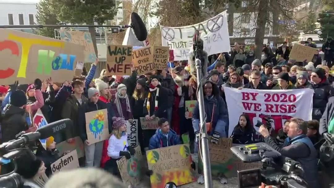 Klimastreik in Davos: Alle wollten einen Blick von Greta erhaschen