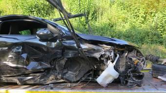 Der Personenwagen nach dem Selbstunfall