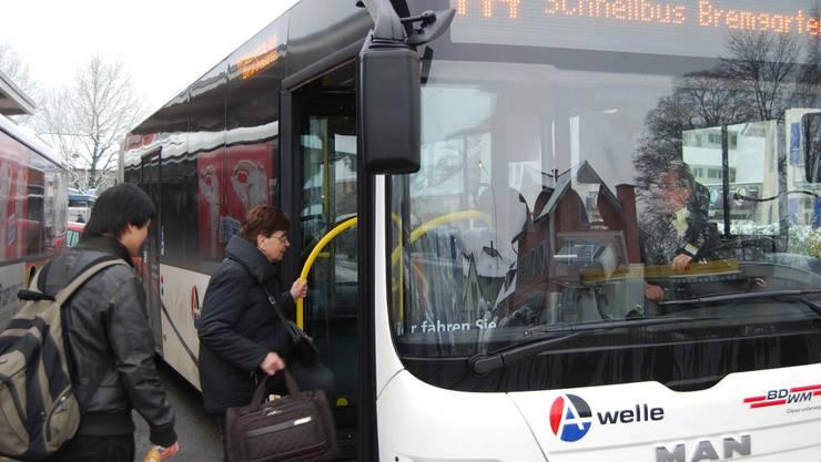 Der gut frequentierte Schnellbus nach Zürich gilt als Paradebeispiel für geglücktes Standortmarketing. AR/sl