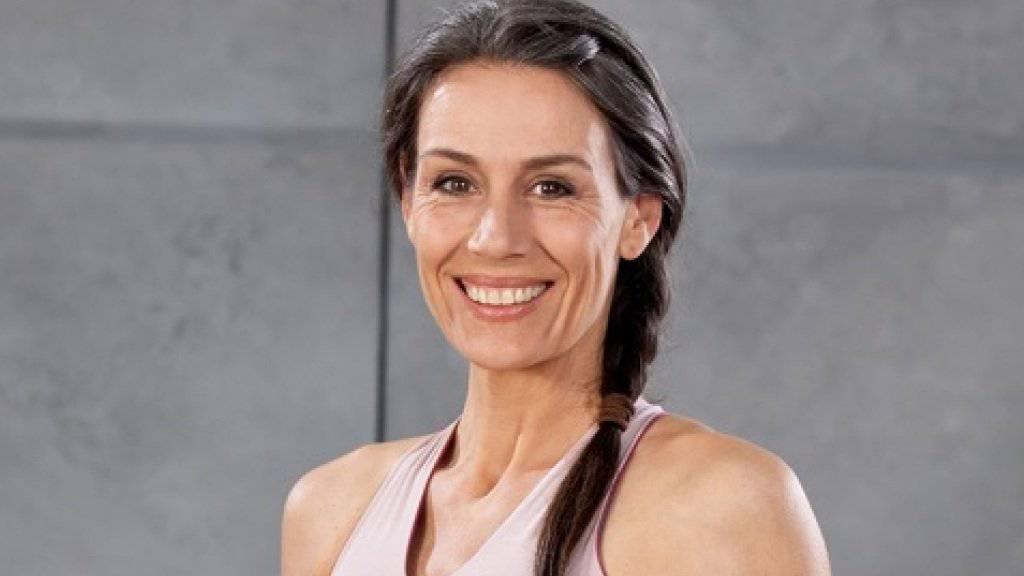 Dominique Rinderknechts Mutter Helen ist eine von drei Promimüttern, die für einen guten Zweck Restaurantbesucher bekochen (Pressebild Helen Rinderknecht).