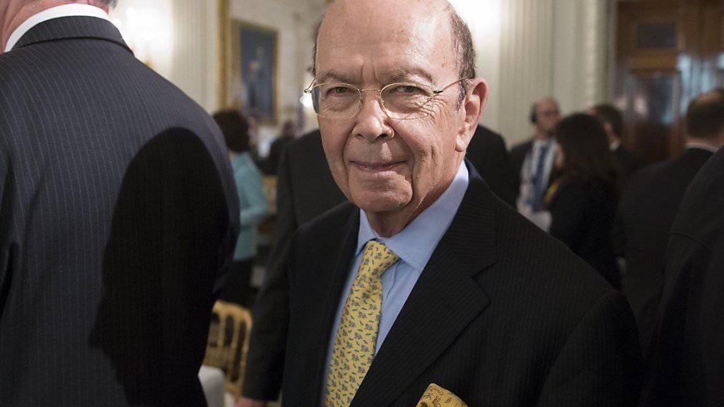 Der Milliardär Wilbur Ross wird Handelsminister der USA. Der US-Senat bestätigte den von Präsident Donald Trump vorgeschlagenen Ross mit 72:27 Stimmen.