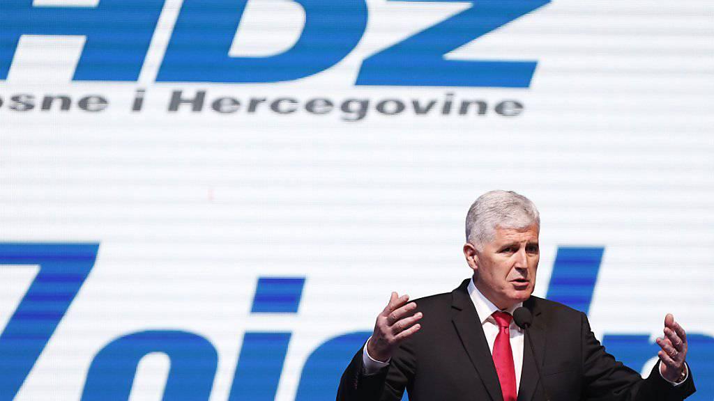 Der kroatischstämmige Präsidentschaftskandidat, Dragan Covic, räumt in der Nacht auf Montag eine schwere Wahlniederlage in der Bosnien-Wahl ein. (Archivbild)