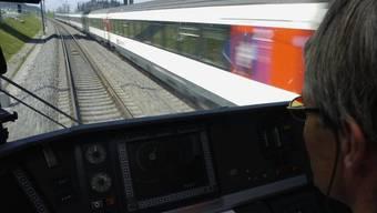 Zwischen Olten-Bern blockiert ein Zug die Strecke. (Archiv)