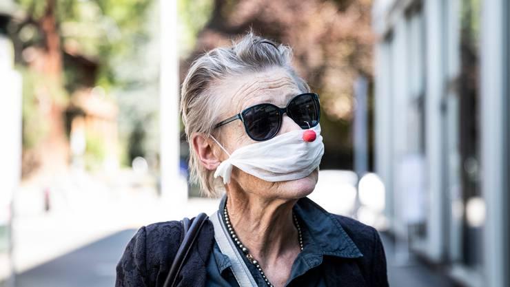 Der Mund- und Nasenschutz ist auf dem besten Weg, ein modisches Accessoire zu werden.