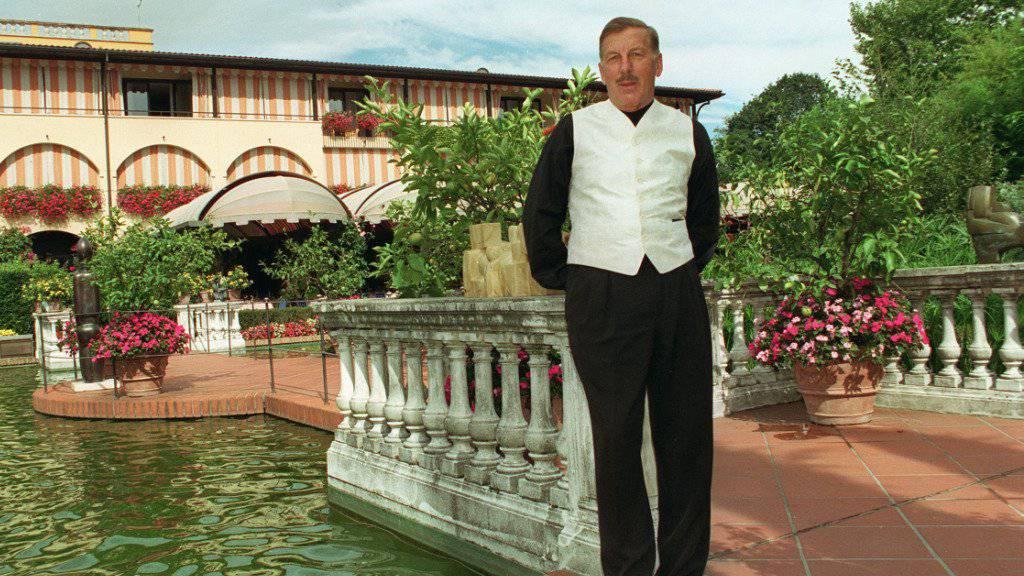 Hans C. Leu posiert im Garten des Hotels Albergo Giardino in Ascona (TI), am 30. August 1997. (Archiv)
