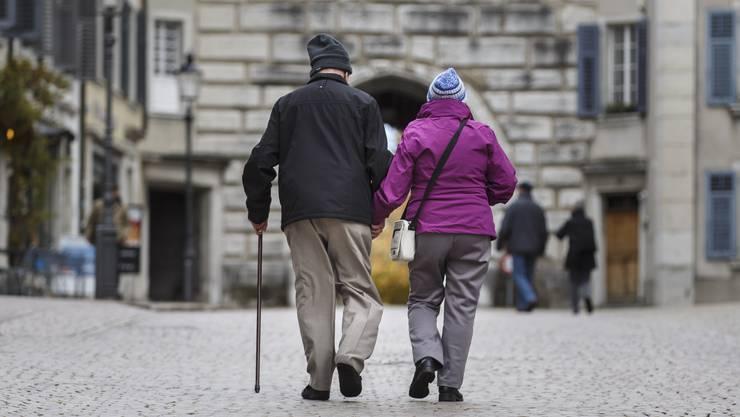 Ältere Personen sind nicht automatisch reich (Symbolbild).