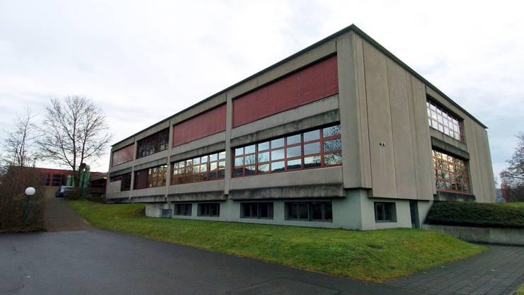Im Klingnauer Schützenmatt-Schulhaus befindet sich die Bezirksschule der Oberstufe Unteres Aaretal (OSUA).