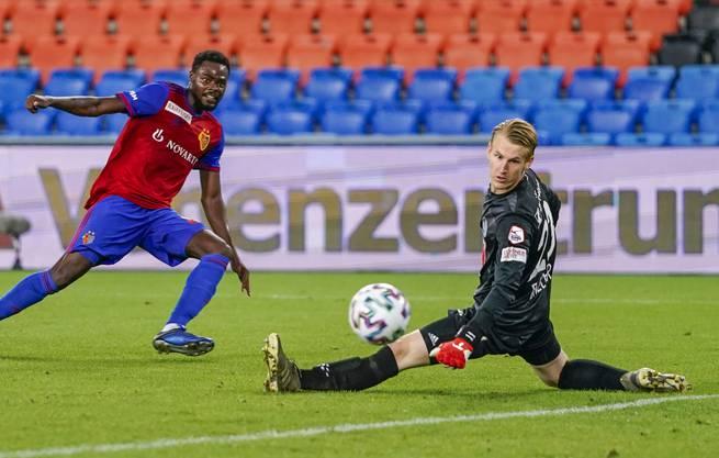 Simon Enzler (r.) feierte sein Super-League-Debüt für den FC Luzern im letzten Spiel der Saison 2019/20 auswärts gegen den FC Basel (0:0).