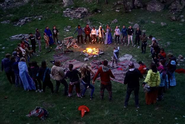 Zusammensein am Lagerfeuer