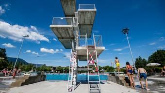 Sprungturm im Freibad an der Aare in Solothurn