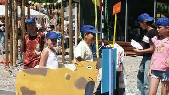 """Archivbild: Jugendfest Menziken """"Zug um Zug"""". (Juni 2003)"""