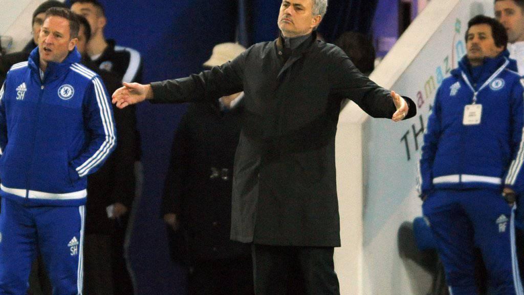 Kann es nicht glauben: Chelsea-Trainer José Mourinho kassierte am Montagabend gegen Leicester City bereits die neunte Saisonniederlage im 16. Premier-League-Spiel
