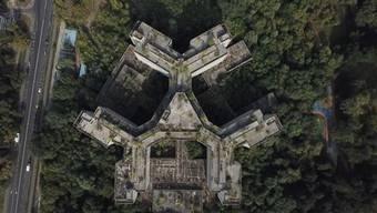 Das sinkende Krankenhaus von Moskau war in den 90er Jahren ein Anziehungspunkt für Abenteuertouristen.