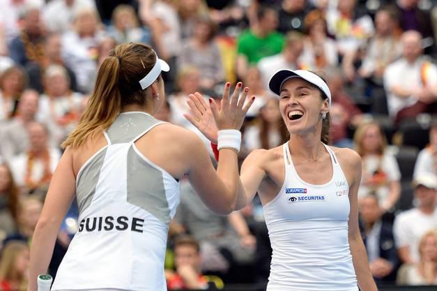 Spielten einst gemeinsam Doppel: Belinda Bencic und Martina Hingis.