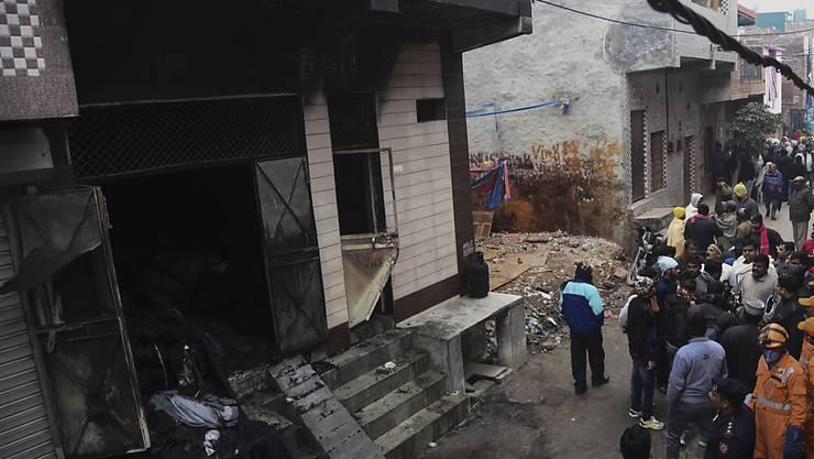 Erneut hat sich in der indischen Hauptstadt Neu Delhi ein tödlicher Brand ereignet. In einer Lagerhaus starben mindestens neun Menschen.
