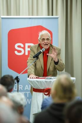 19. August: Der langjährige Präsident der SP Schweiz, Helmut Hubacher, ist 94-jährig verstorben.