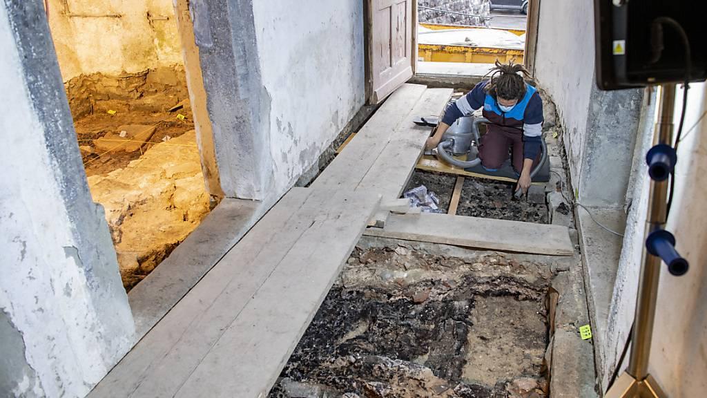 Mauerreste deuten auf ein Spital hin, das bis 1704 in Willisau stand und durch einen Brand zerstört wurde.