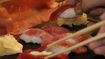 Bei der Zubereitung von bei Sushi-Lokalen beliebtem Knusperteig kam es in den USA in mindestens sieben Fällen zu Bränden. Jetzt scheint die Ursache dafür gefunden. (Symbolbild)