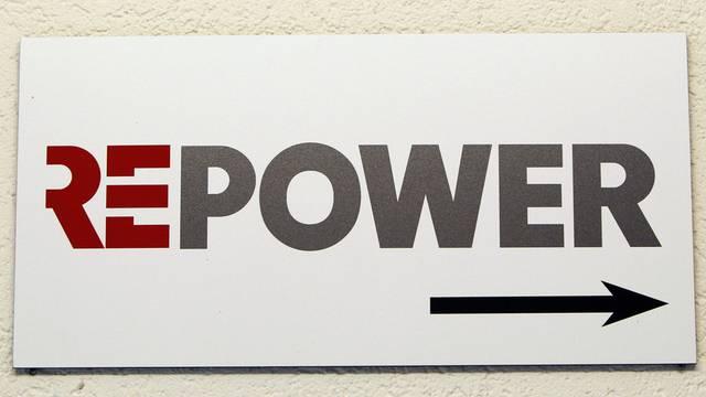 Das Logo des Bündner Energiekonzerns Repower, aufgenommen in Zürich (Archiv)