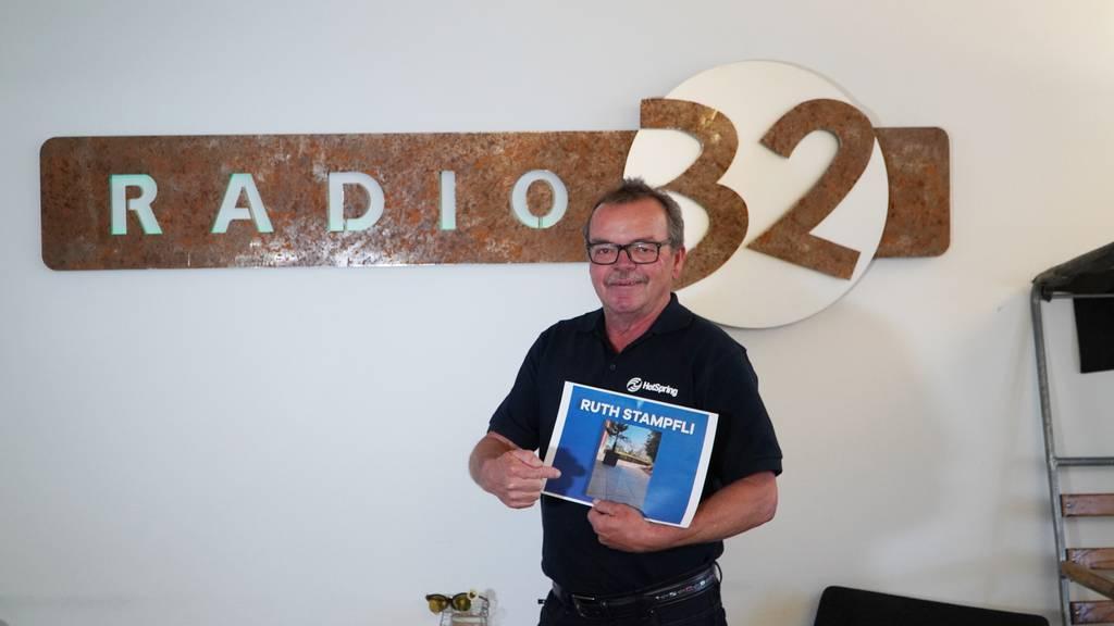 Peter Kurz vom HotSpring Whirlpool Paradies spielte die Glücksfee in der Radio 32 Morgenshow.