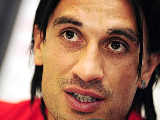 Hakan Yakin kehrt in die Schweiz zurück. Er unterschreibt für zwei Jahre beim FC Luzern.